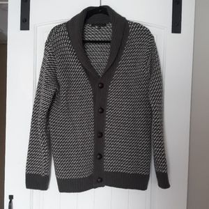 Grey fancy fold over neck cardigan woth buttons